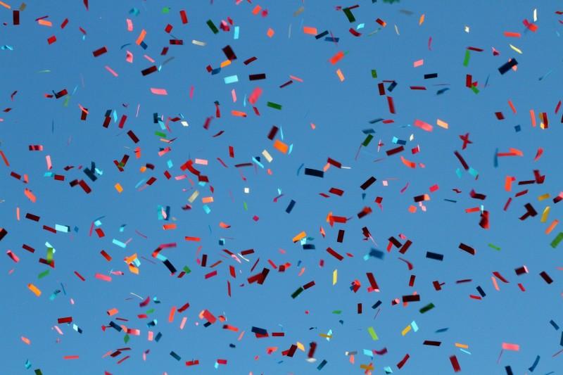 Tre fester, hvor du bør medbringe et konfettirør som gæst