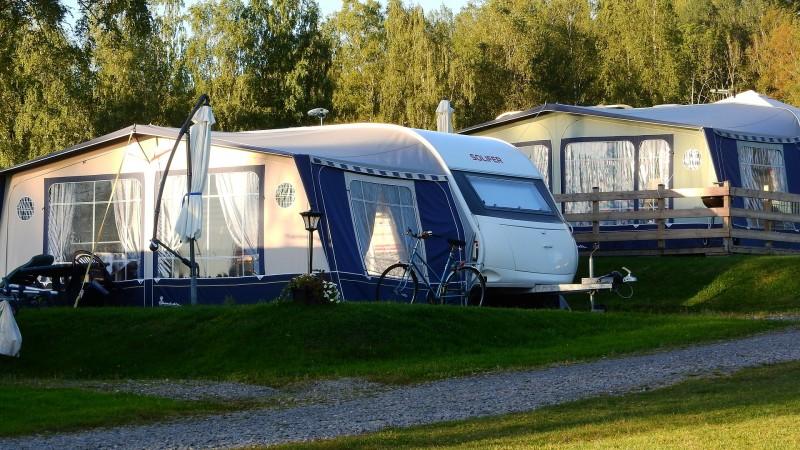 Find alt det campingudstyr, som du har brug, på nettet