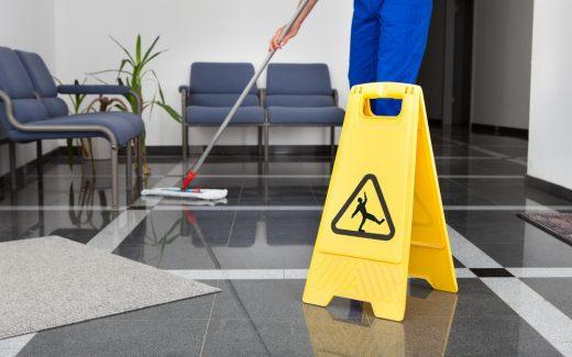 Sørg for en effektiv og god gulvvask med en gulvvaskemaskine